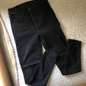 American Eagle Plain Black HW Denim Size 4 Short!